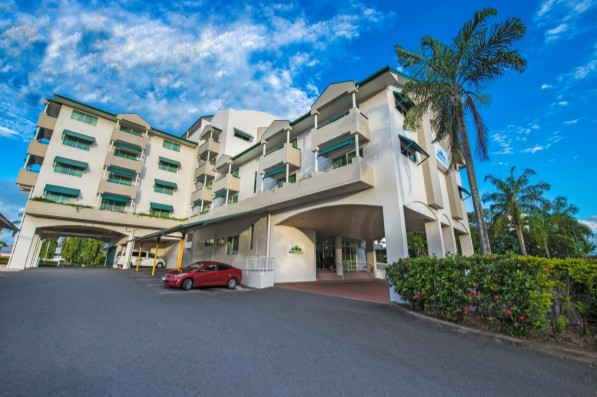 Cairns Sheridan Hotel - Palm Beach Accommodation