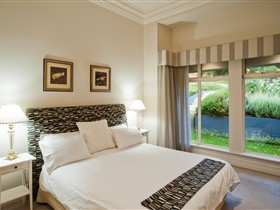 Aldgate House - Palm Beach Accommodation