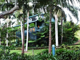 Montville Country Cabins - Palm Beach Accommodation