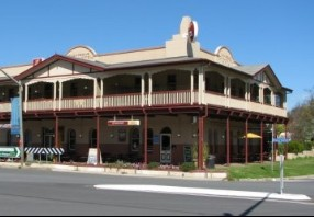The Royal Hotel Adelong - Palm Beach Accommodation