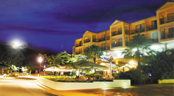 Airlie Beach Hotel - Palm Beach Accommodation