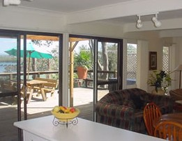 Lakeview Cottage - Palm Beach Accommodation
