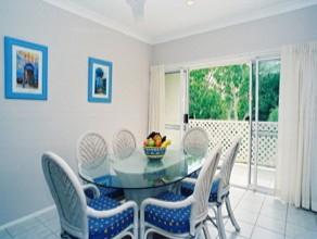 Sailz Boutique Holiday Villas - Palm Beach Accommodation