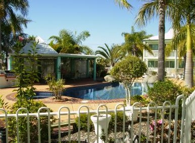 Reef Adventureland Motor Inn - Palm Beach Accommodation
