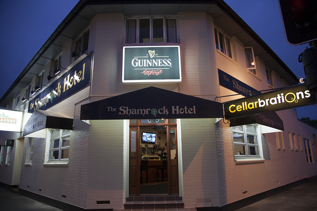 Shamrock Hotel - Palm Beach Accommodation