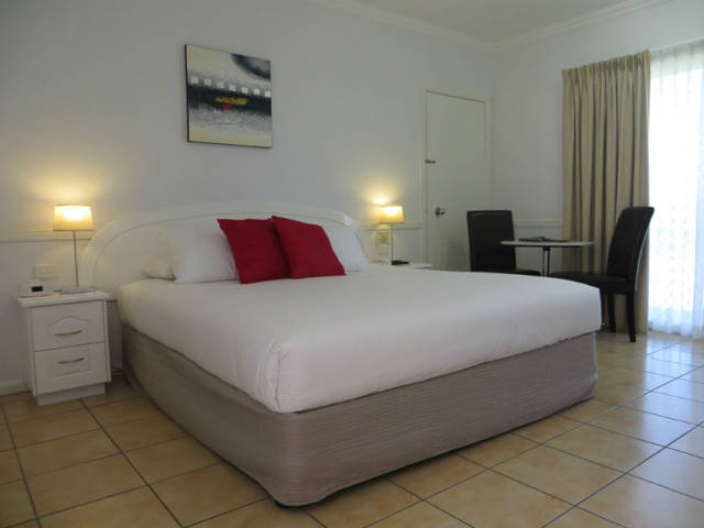 Charters Towers Heritage Lodge Motel - Palm Beach Accommodation