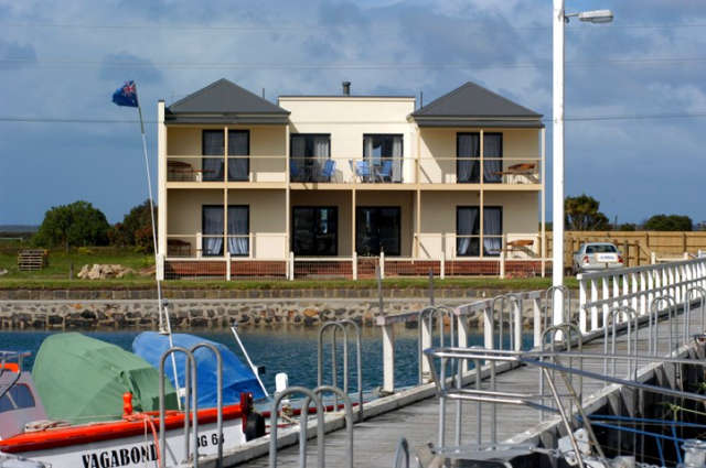 Port Albert Bed  Breakfast - Palm Beach Accommodation