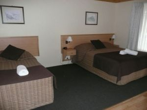 Black Gold Country Cabins - Palm Beach Accommodation