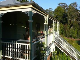 The Sanctuary Springbrook. Guest House / Cottage - Palm Beach Accommodation