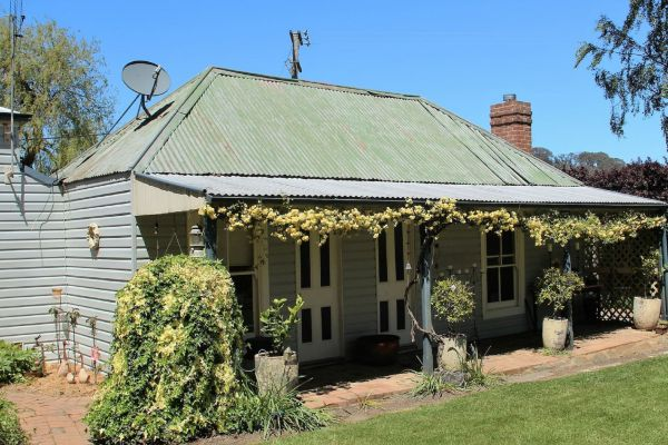Drayshed Cottage - Palm Beach Accommodation