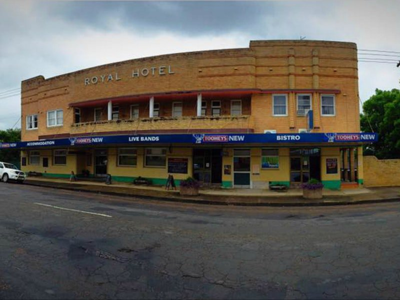 Royal Hotel Dungog - Palm Beach Accommodation