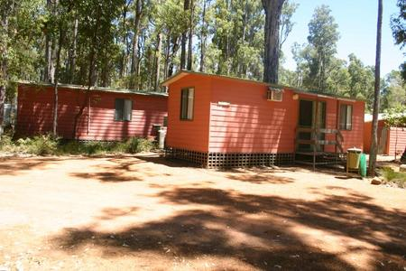 Dwellingup Chalets And Caravan Park - Palm Beach Accommodation