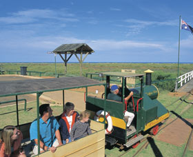 Carnarvon Tramway - Palm Beach Accommodation