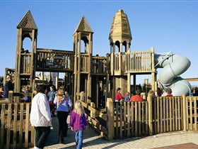 Jubilee Park Adventure Playground - Palm Beach Accommodation