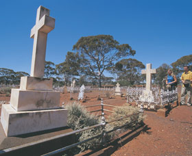 Coolgardie Cemetery - Palm Beach Accommodation