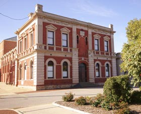 Northam Town Hall - Palm Beach Accommodation