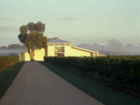 Parker Coonawarra Estate - Palm Beach Accommodation