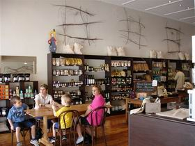 Blond Coffee and Store - Palm Beach Accommodation