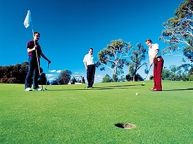 Oatlands Golf Course - Palm Beach Accommodation