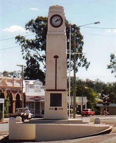 Goomeri War Memorial Clock - Palm Beach Accommodation