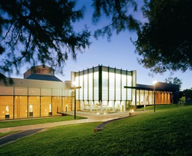 Bendigo Art Gallery - Palm Beach Accommodation