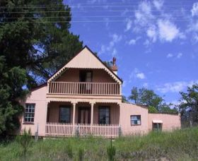 Trunkey Creek - Palm Beach Accommodation