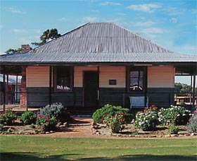 Albert Facey Homestead - Palm Beach Accommodation