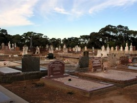 Langhorne Creek Cemetery - Palm Beach Accommodation