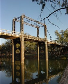 The Historic Barwon Bridge - Palm Beach Accommodation