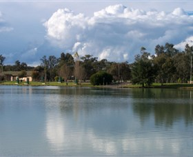 Gum Bend Lake - Palm Beach Accommodation