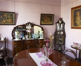 Jerilderie Historic Residence - Historic Home and Gardens - Palm Beach Accommodation