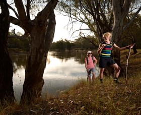 Narrandera Bike and Hike Track - Palm Beach Accommodation
