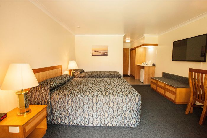 Comfort Inn Bay of Isles - Palm Beach Accommodation
