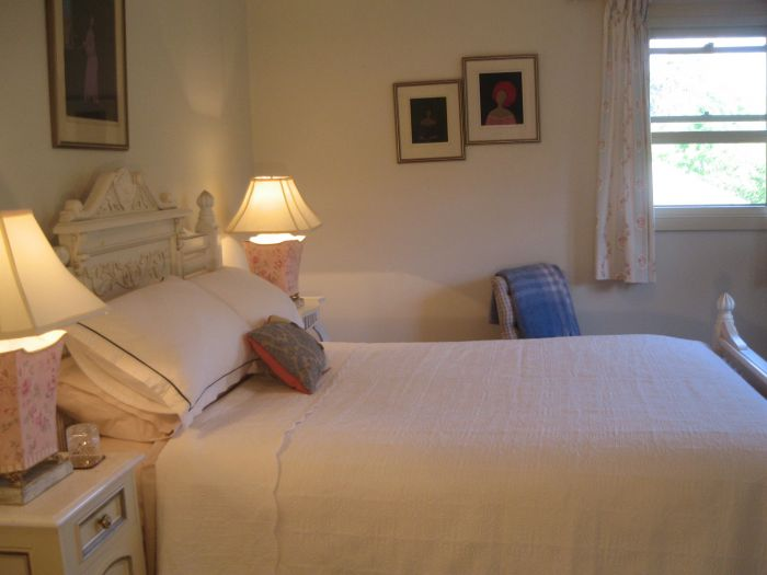 Trafalgar Bed and Breakfast and Annie's cottage - Palm Beach Accommodation