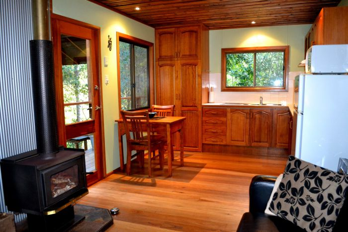 Waterfall Hideout-Rainforest Cabin for Couples - Palm Beach Accommodation