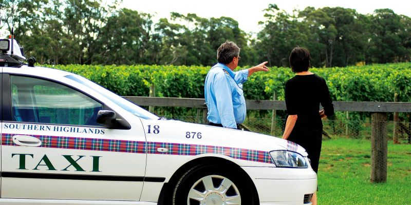 Southern Highlands Taxis Limousines and Coaches - Palm Beach Accommodation