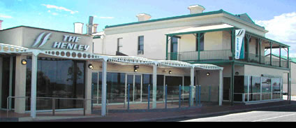 Henley Beach Hotel - Palm Beach Accommodation