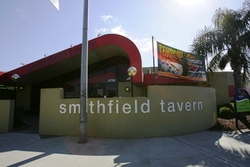Smithfield Tavern - Palm Beach Accommodation