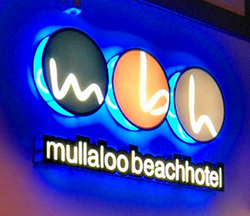 Mullaloo Beach Hotel - Palm Beach Accommodation