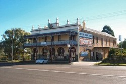 Caledonia Hotel - Palm Beach Accommodation