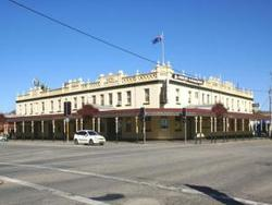 Soden's Australia Hotel - Palm Beach Accommodation