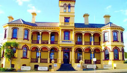 The Queenscliff Historic Royal Hotel - Palm Beach Accommodation