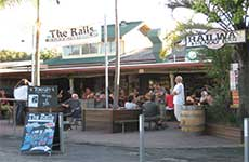 Railway Friendly Bar - Palm Beach Accommodation