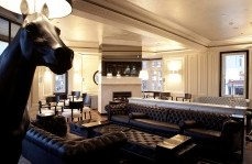 Polo Lounge - The Oxford Hotel - Palm Beach Accommodation