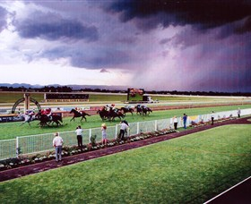 Hawkesbury Race Club - Palm Beach Accommodation