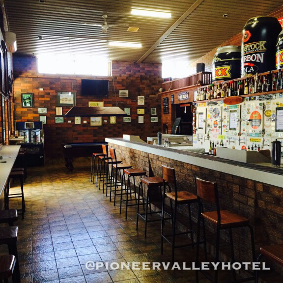 Pioneer Valley Hotel - Palm Beach Accommodation