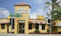 Albion Park Hotel - Palm Beach Accommodation