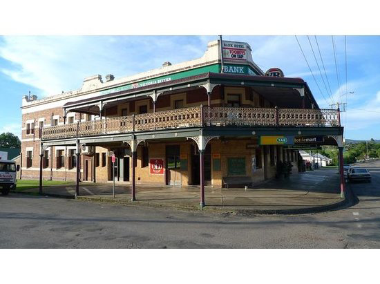 Bank Hotel Dungog - Palm Beach Accommodation