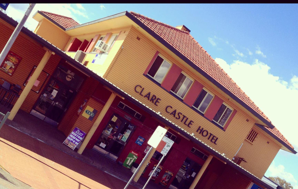 Clare Castle Hotel - Palm Beach Accommodation