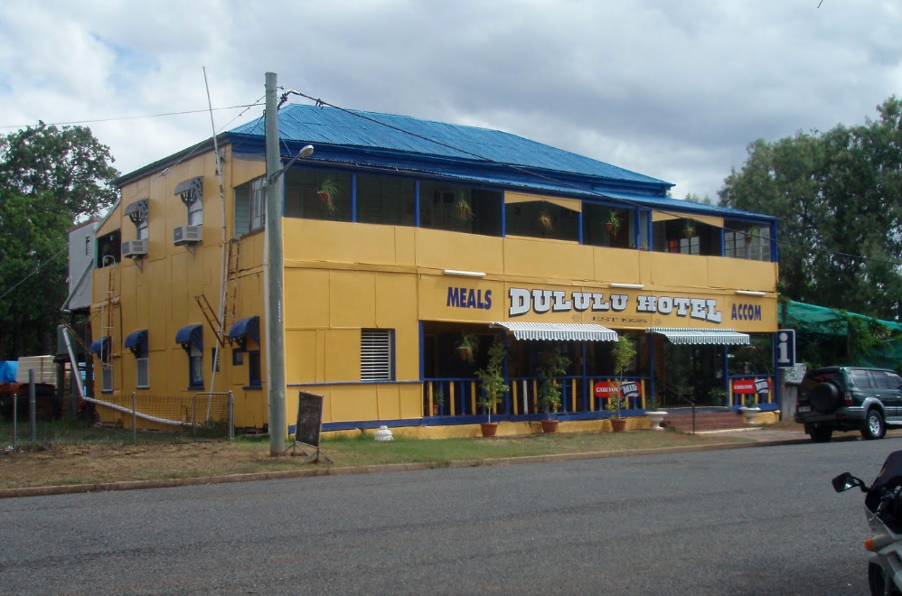 Dululu Hotel - Palm Beach Accommodation